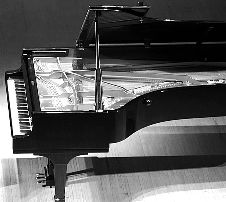 Grand Piano Image
